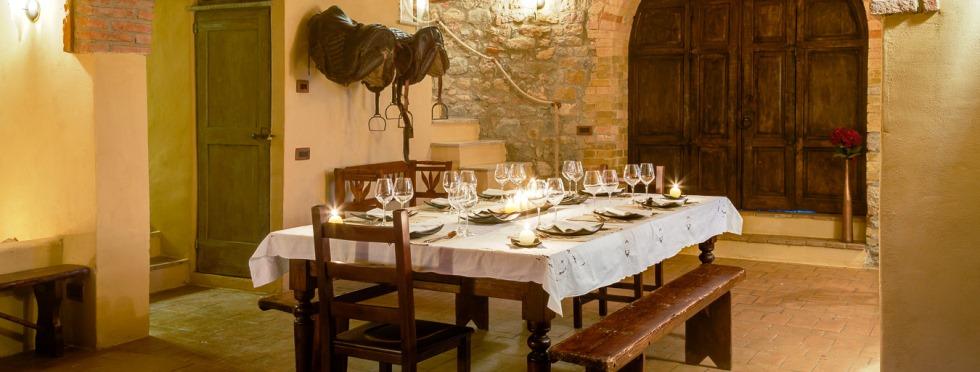 tuscany-villas-sanbarberino-dining.jpg