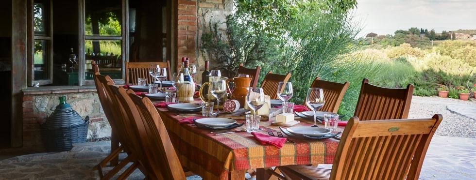 tuscany-villas-sanbarberino-alfresco2.jpg