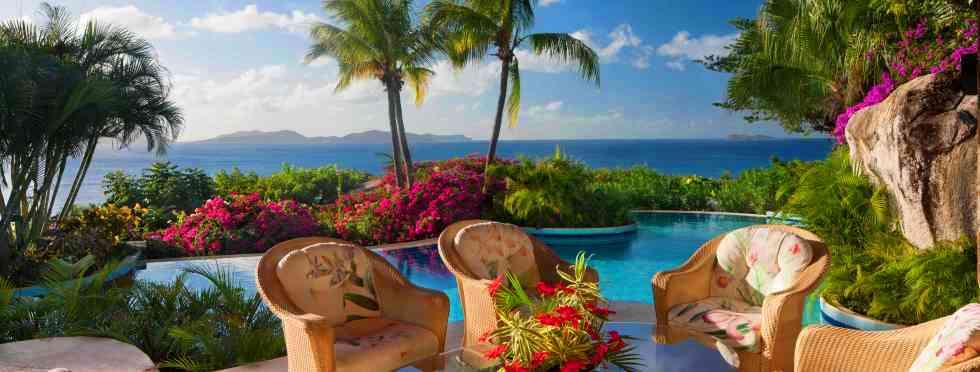 2-Luxury-British-Virgin-Islands-Valley-Trunk-Seating.jpg