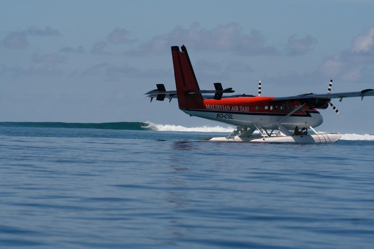 Seaplane-Surfari-3-Credit-to-Tropicsurf.jpg