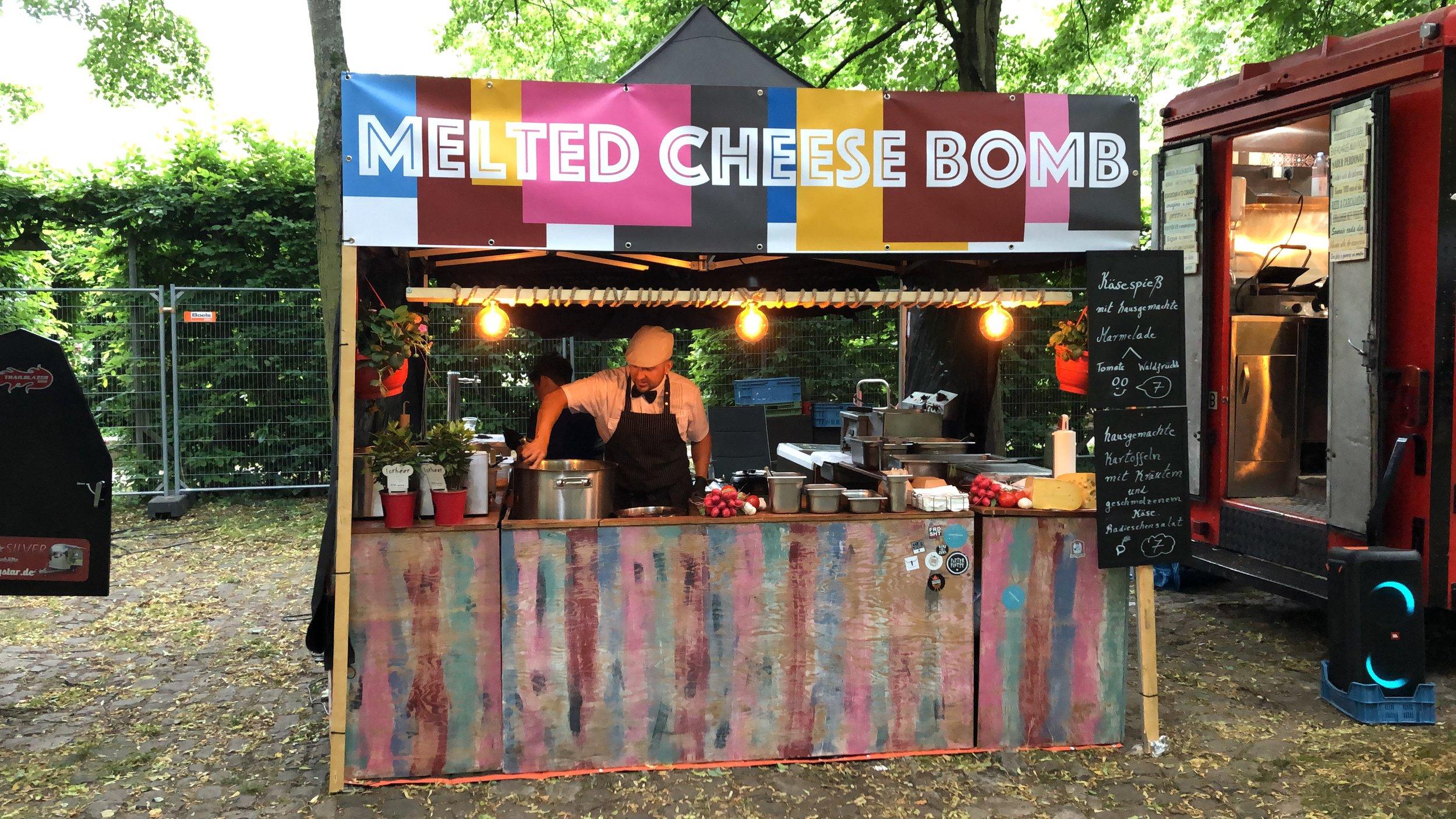 meltedcheesebombstreetfoodfestivalanbieter.JPG