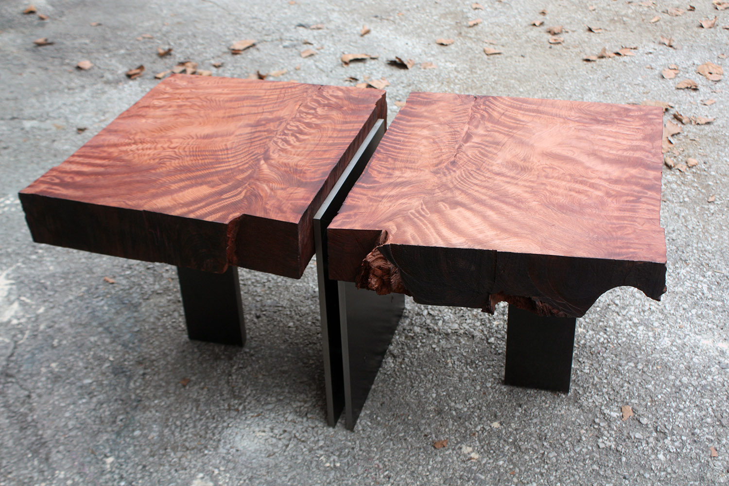 """Materials: Book Matched Redwood and Steel   Slab Thickness: 3.25""""   Size (LxWxH): 20""""x33.25""""x15.25""""   Weight: 98 lbs."""