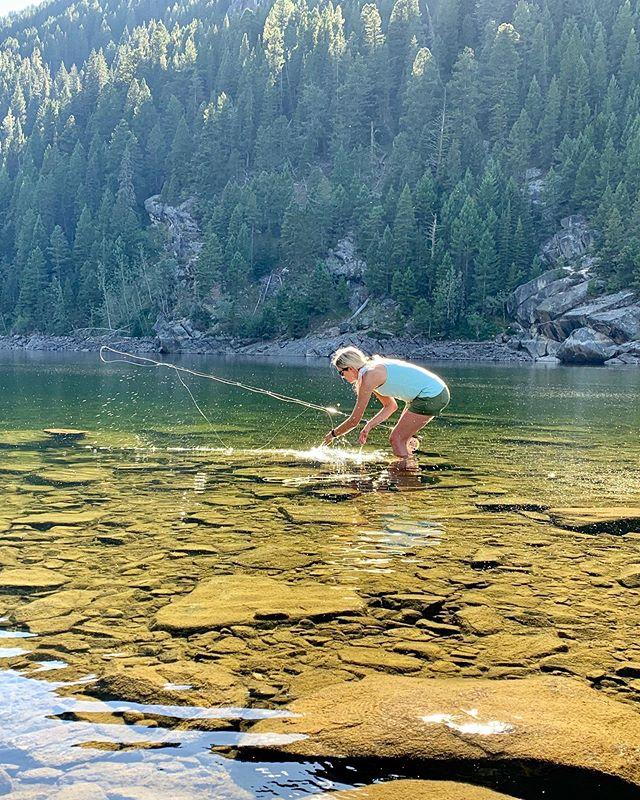 Liquid gold, with golden friends ☀️ Summer, don't go! #hikeandfish . . #thegreatoutdoors #neverstopexploring #optoutside #flyfishing #winstonrods #livefreefly #summerisstillhere