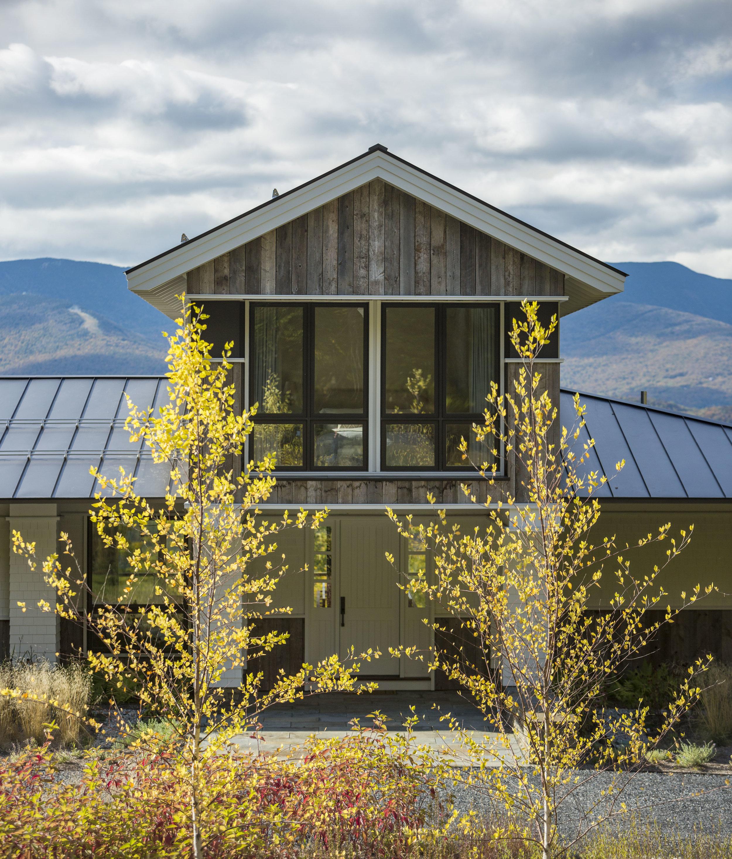 Modern Vermont Ski House Built By Bill Taylor. Architecture by Birdseye. Photographed by Jim Westphalen.