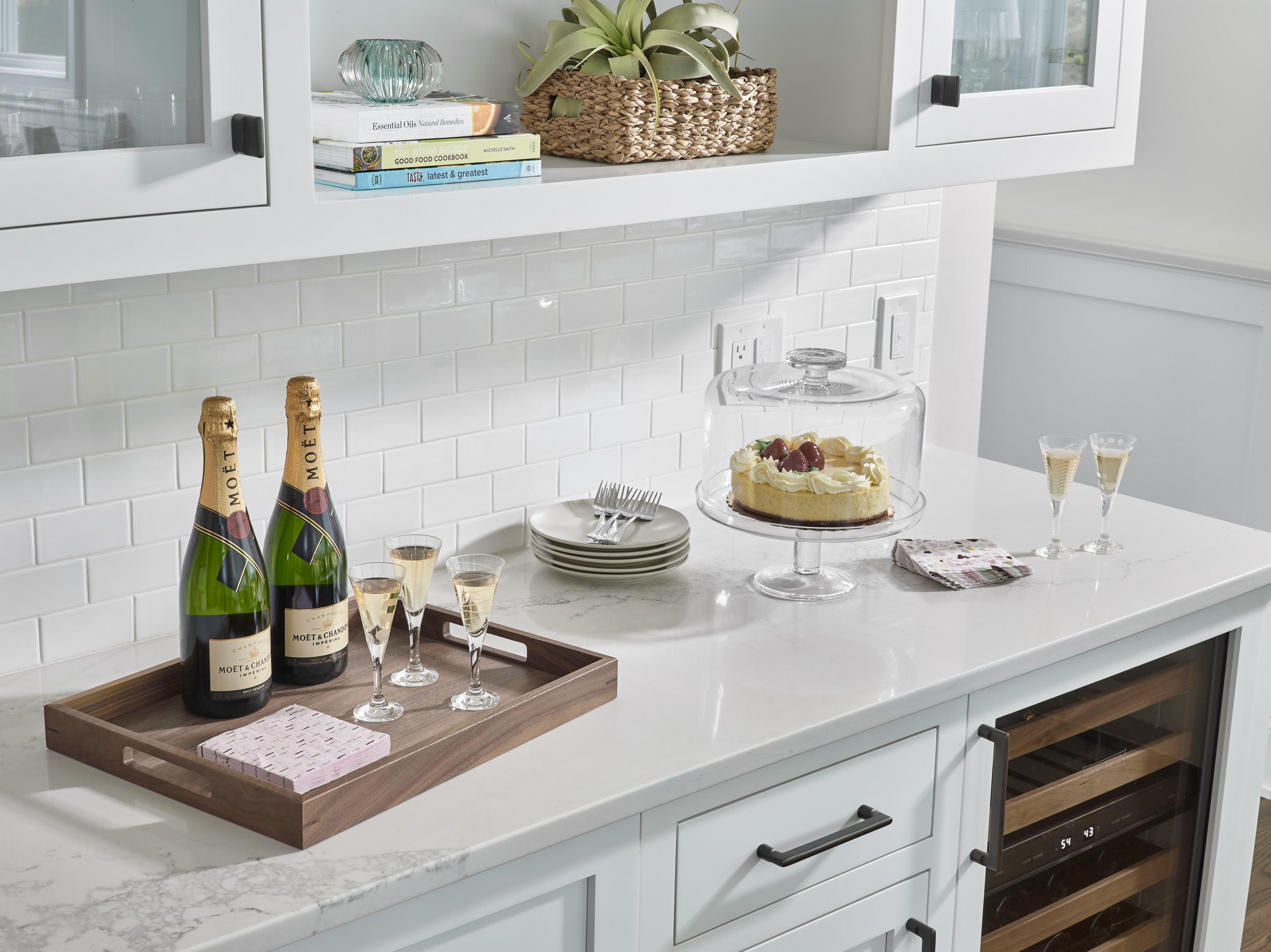 PinneyDesigns_UpweyWellesley_KitchenBarVignette_Final_SMALL copy.jpg