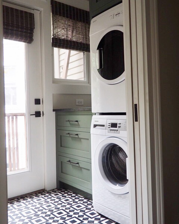 True or False? Laundry rooms can be beautiful and functional. TRUE!  We loved creating this space for our client, check out our story for the before photo and details on the space. - - - - - - - - - #mydomaine #interiordesign #mypinterest #bhghome #myhomestyle #weeklyinteriorinspo #smpliving #theeverygirlathome #interiordefine #sodomino #apartmentdecor #apartmentherapy #housebeautiful #mytradhome #cabinetshop #benjaminmoorepaint #dreamlaundryroom #laundryroommakeover #instalaundry