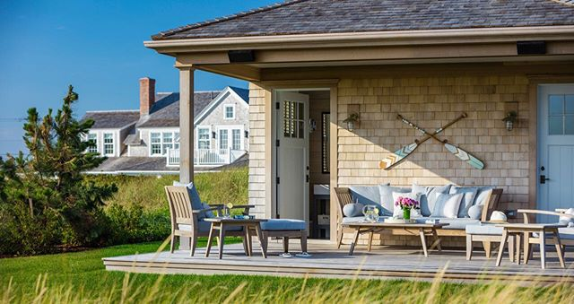 I hope everyone catches a breeze this weekend. #PinneyDesigns // Photo by @jimwestphalen - - - - - - - #interiordesign #bhghome #housebeautiful #mytradhome #homeinspo #housegoals #architecturedigest #architecturephotography #residentialarchitecture #residentialdesign #nantucket #nantucketstyle #nantucketdesign #sodomino #smpliving #mydomaine #vacationhomes #interiordefine #designinspo #outdoorliving #outdoorlivingroom #outdoorlivingspace