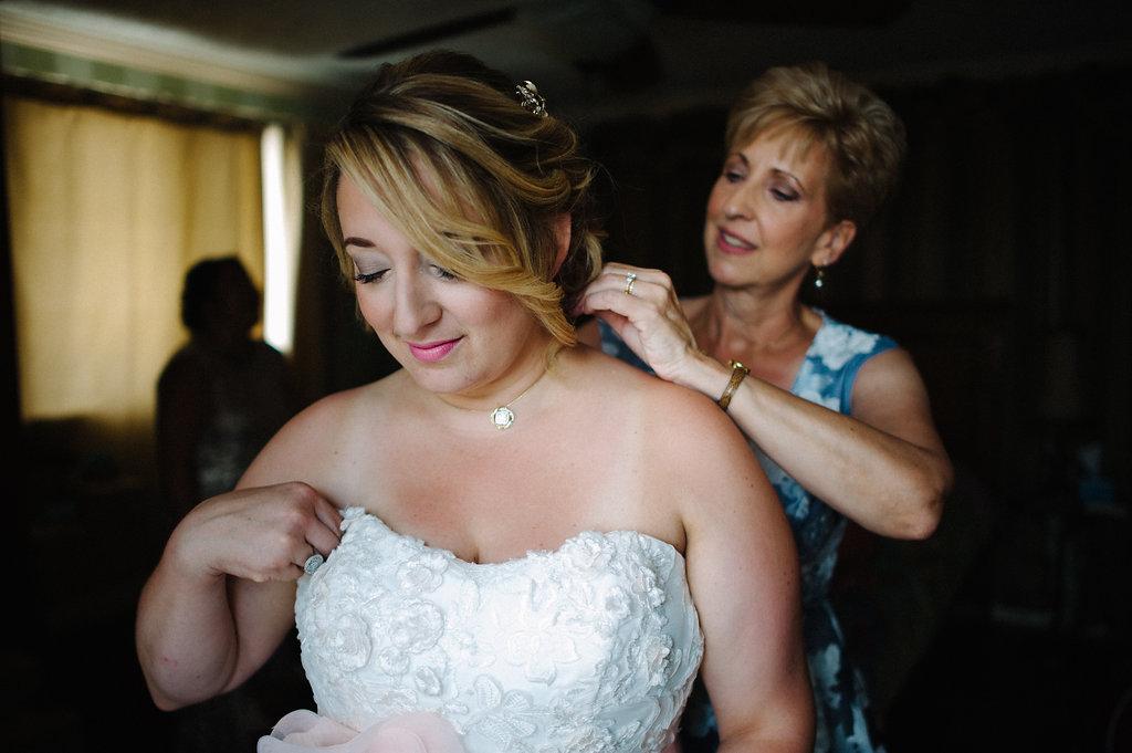 Bride-jewelry-mother.jpg