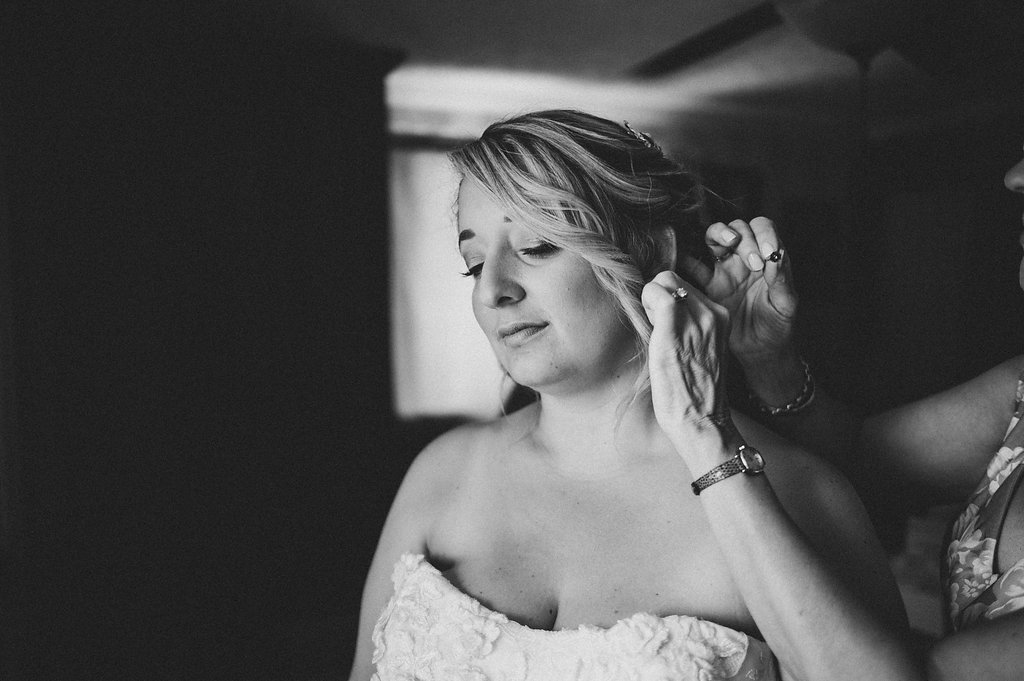 bride-jewelry-earring.jpg