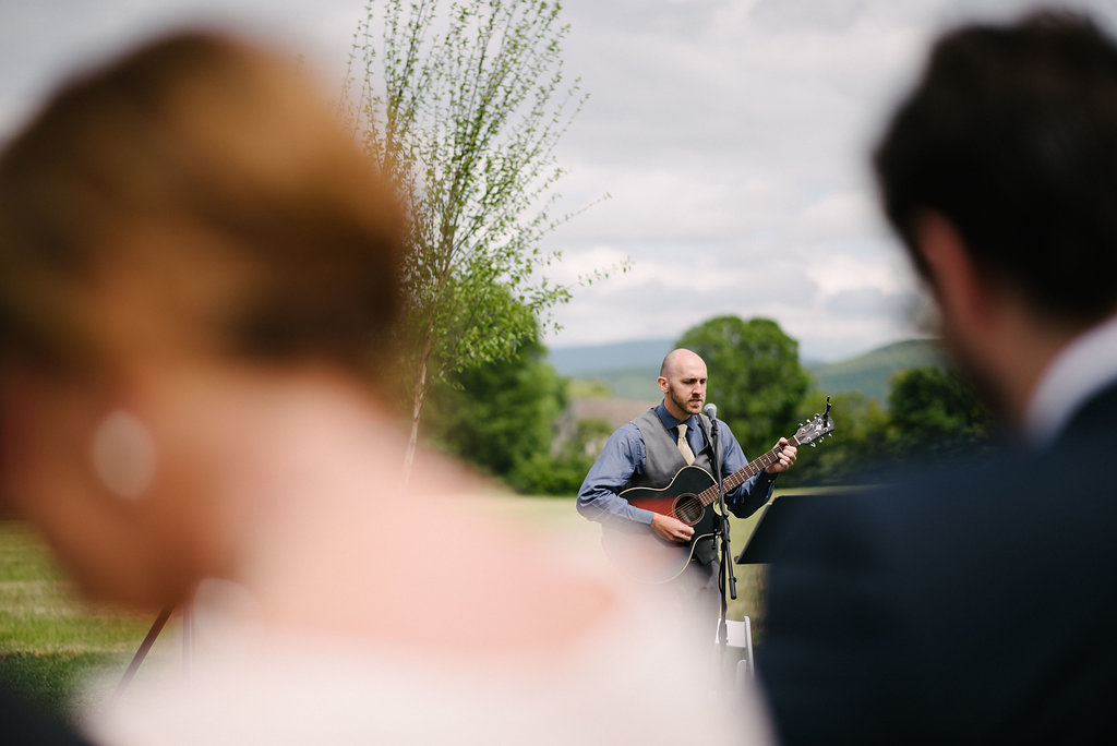wedding-at-columns-at-six-penney-farms-guitarist.jpg