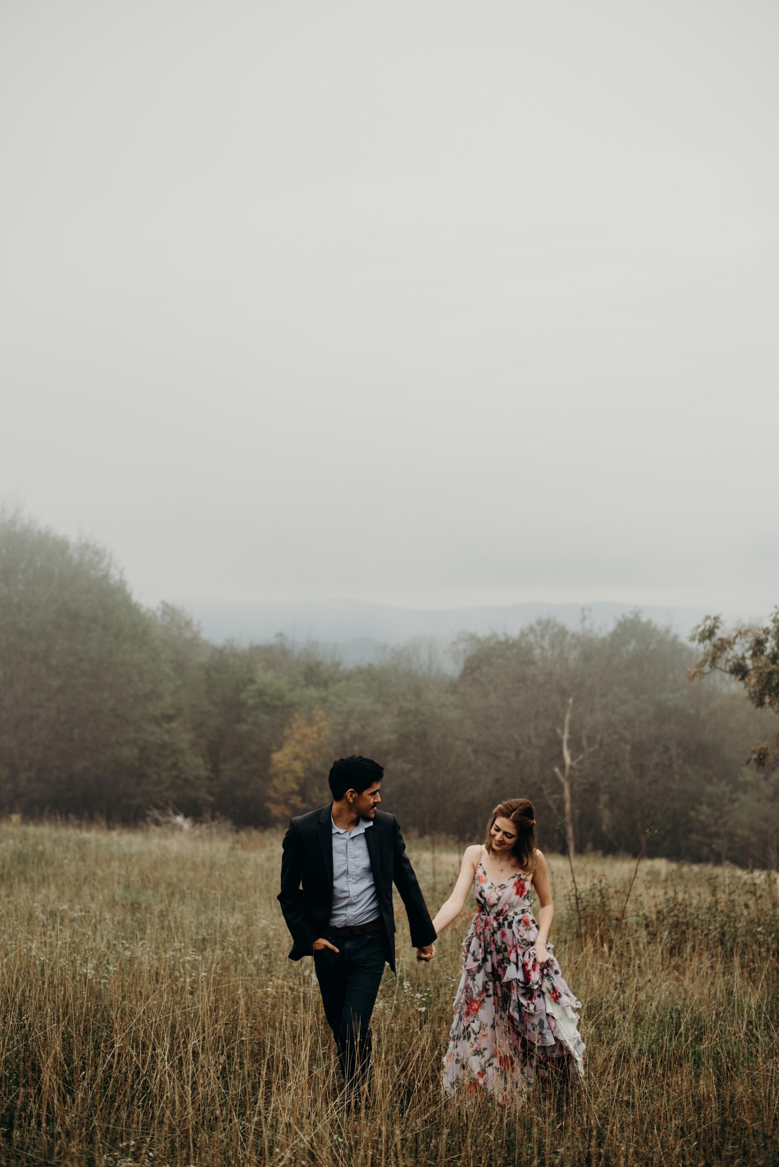 alvaro-sasha-skyline-drive-engagement-session-virginia-wedding-photographer-lindsey-paradiso-8473.jpg