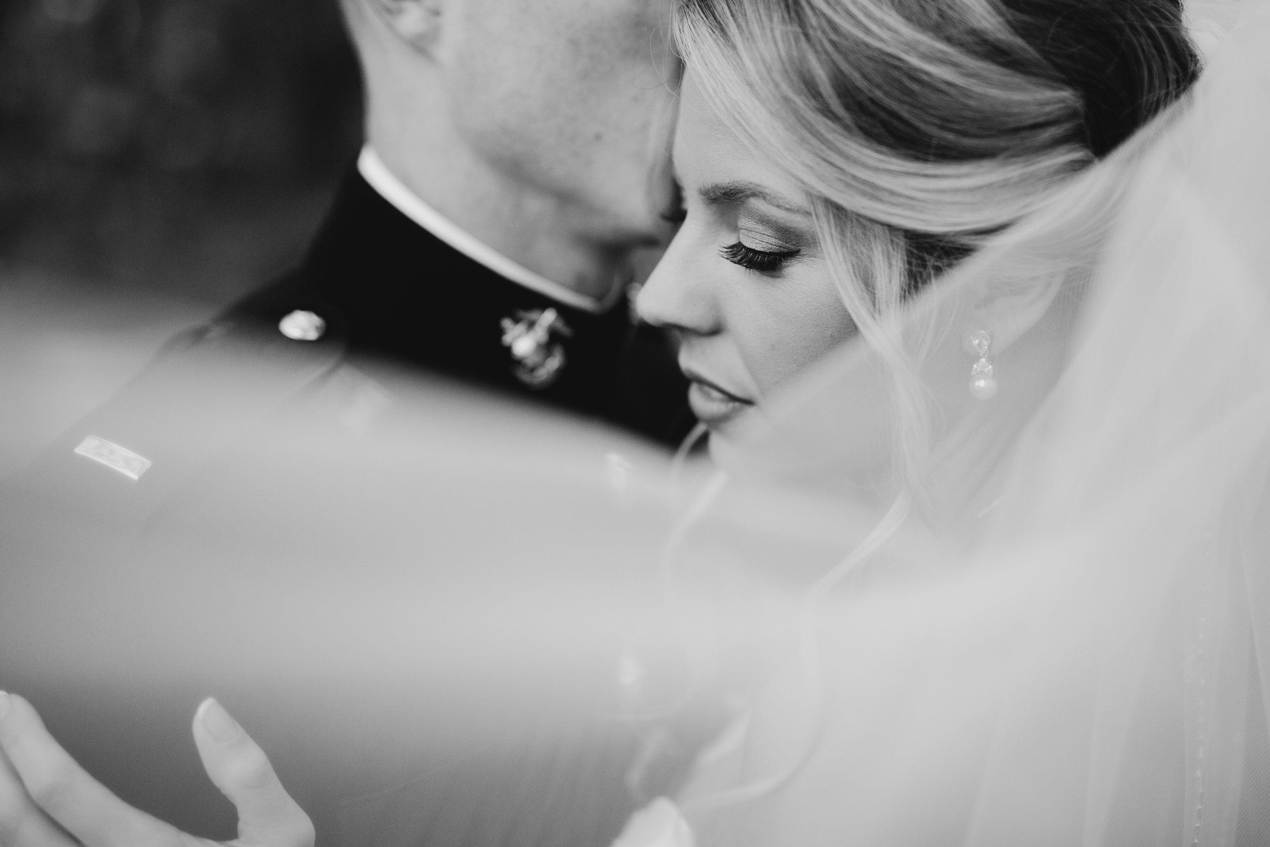blake-and-kristin-weatherford-texas-wedding-photography-clark-gardens-1057.jpg