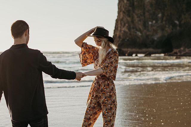 Beautiful days like today have me wishing I was walking the beach somewhere . . . . #portlandweddingplanner #weareengaged #loversofthelight #marryingmybestfriend #justsaidyes #herecomesthebride #heputaringonit #bridalgoals #authenticlovemag #firstsandlasts #travelweddingphotographer #theknotweddings #thebelovedstories #shenandoahvalleybride #oregonweddings #oregonbride #theknotrings #weddingportrait #worldwidephotographer #weddingphotographers #weddinglove #wanderingweddings #weddingphotoinspiration #herecomesthebride #engagementseason #portlandweddings #portlandphotographer #portlandweddingphotographer