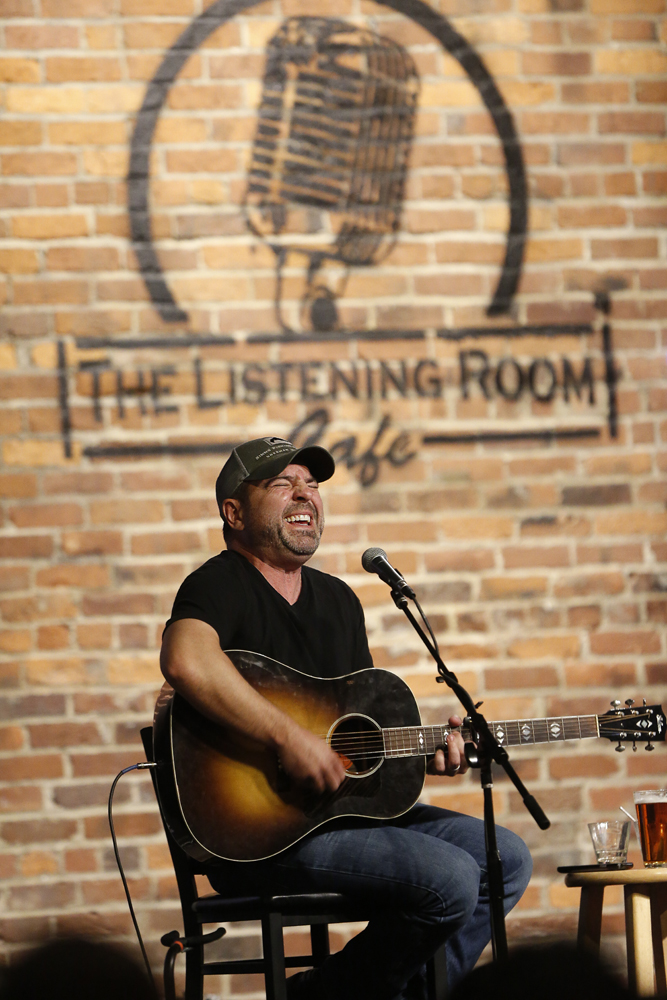 Dave Turnbull performing at The Listening Room Cafe