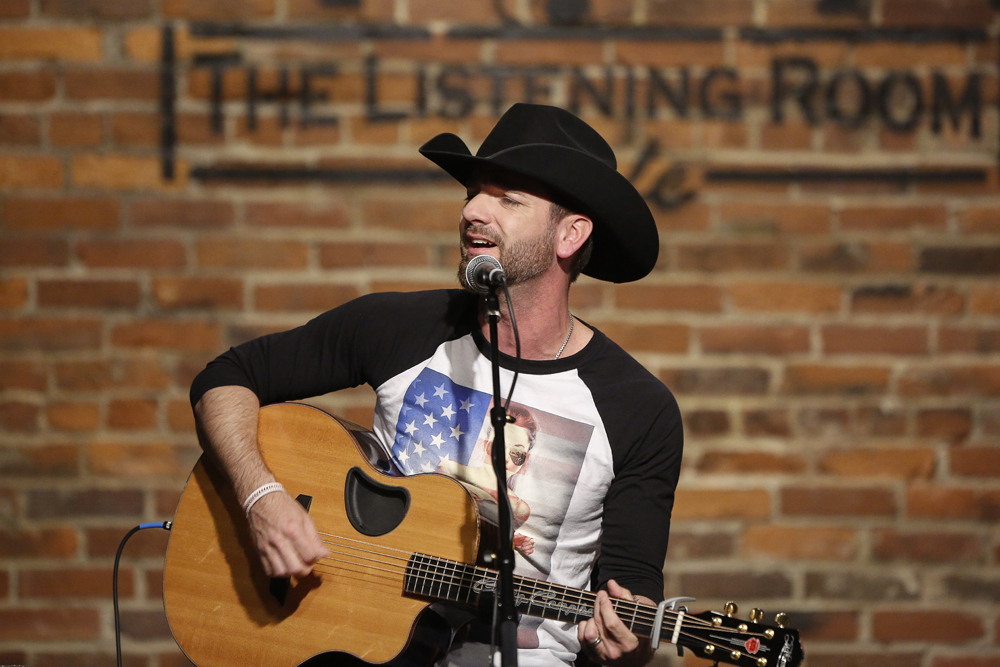 Craig Campbell performing at The Listening Room Cafe