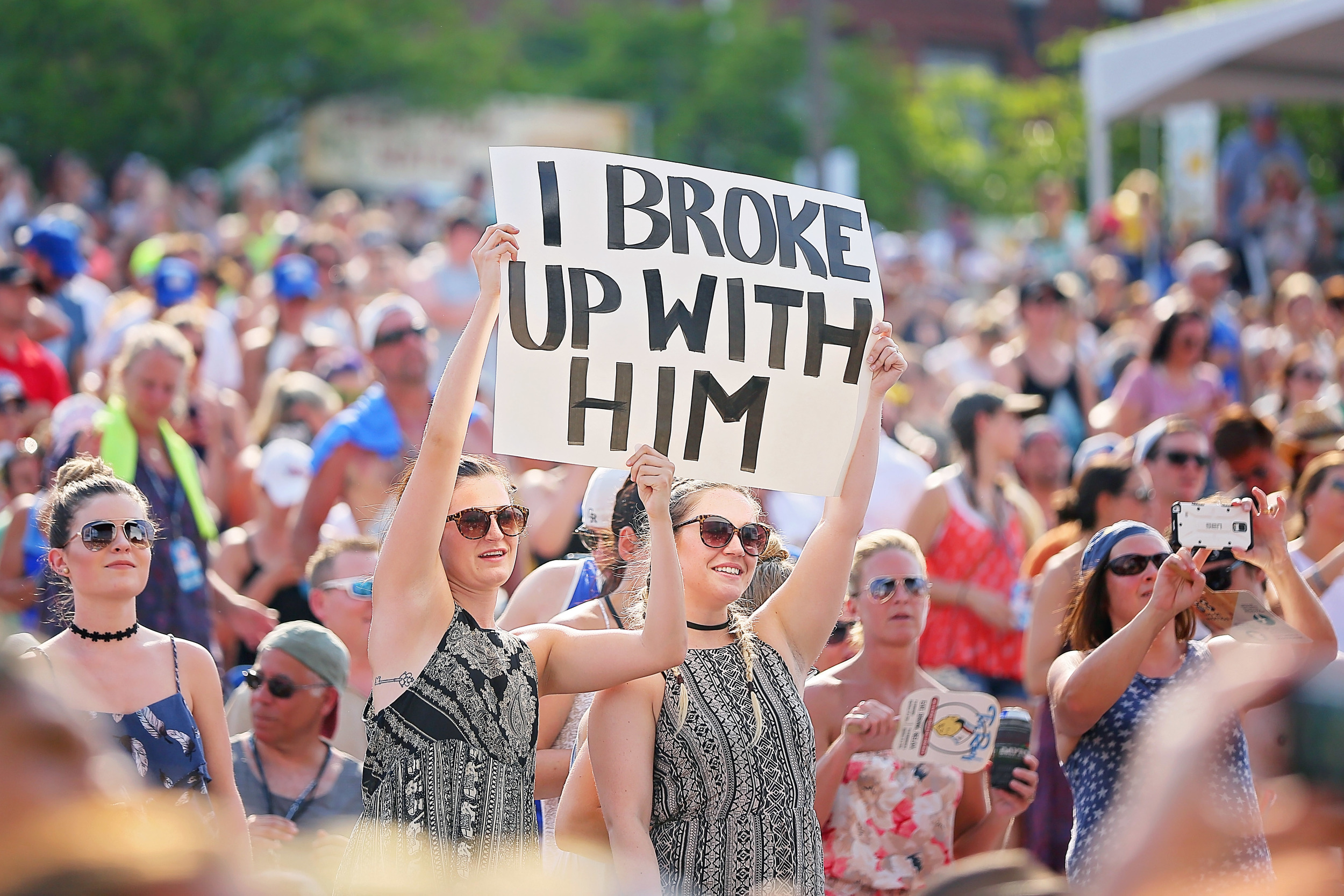 Fans at Riverfront stage during CMA Fest