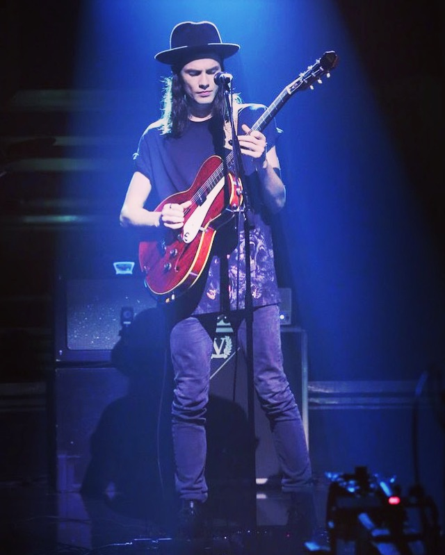 James Bay Tonight Show 2016 2.jpg