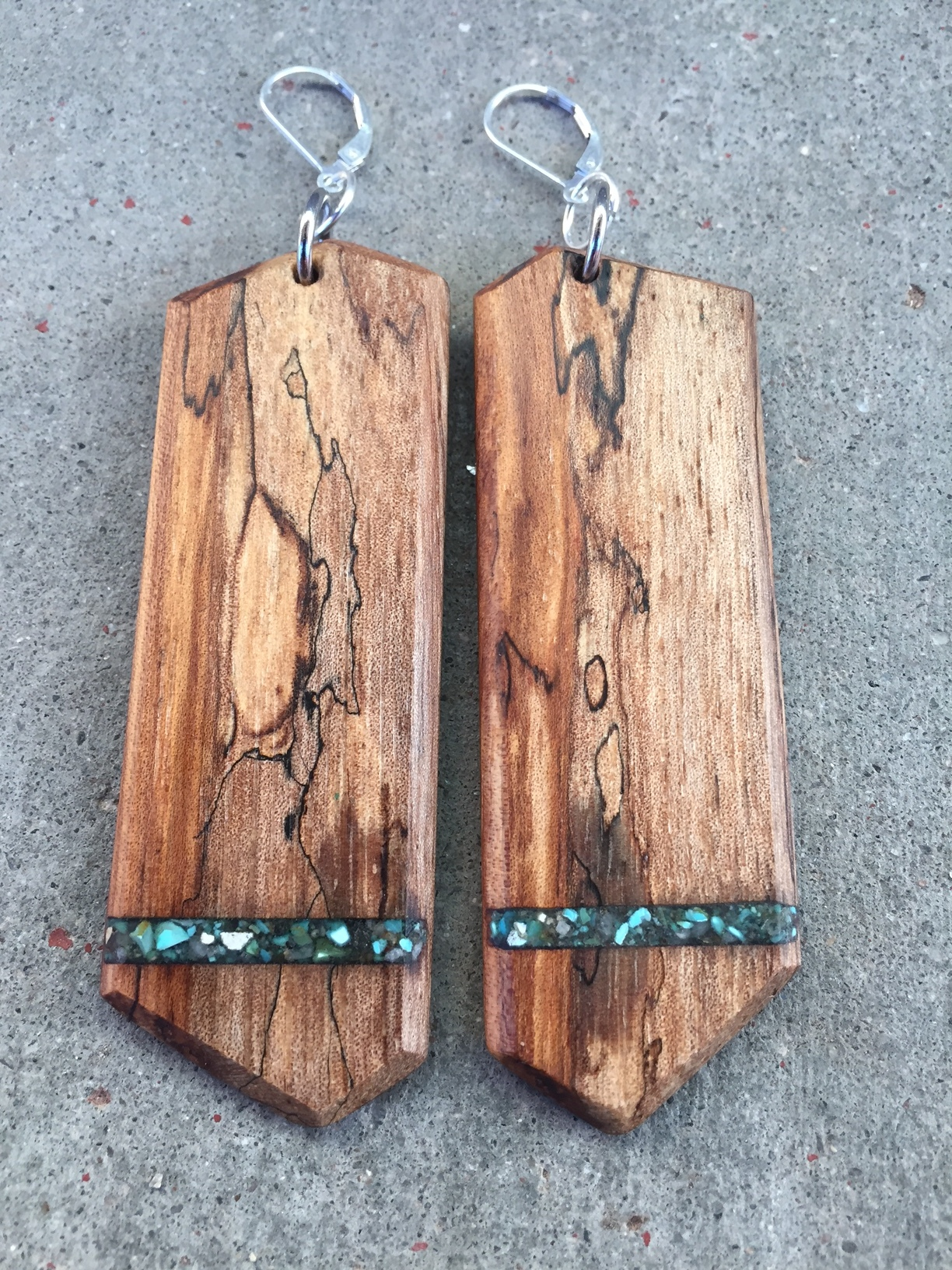 SPALTED PECAN W/ CERRILLOS TURQUOISE