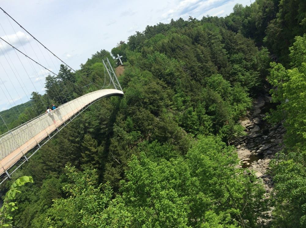 suspension_bridge_parc_coaticook.jpg