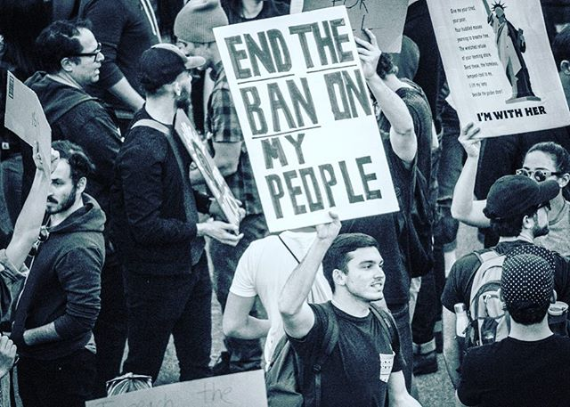 Paid protestors #lax #nobannowall