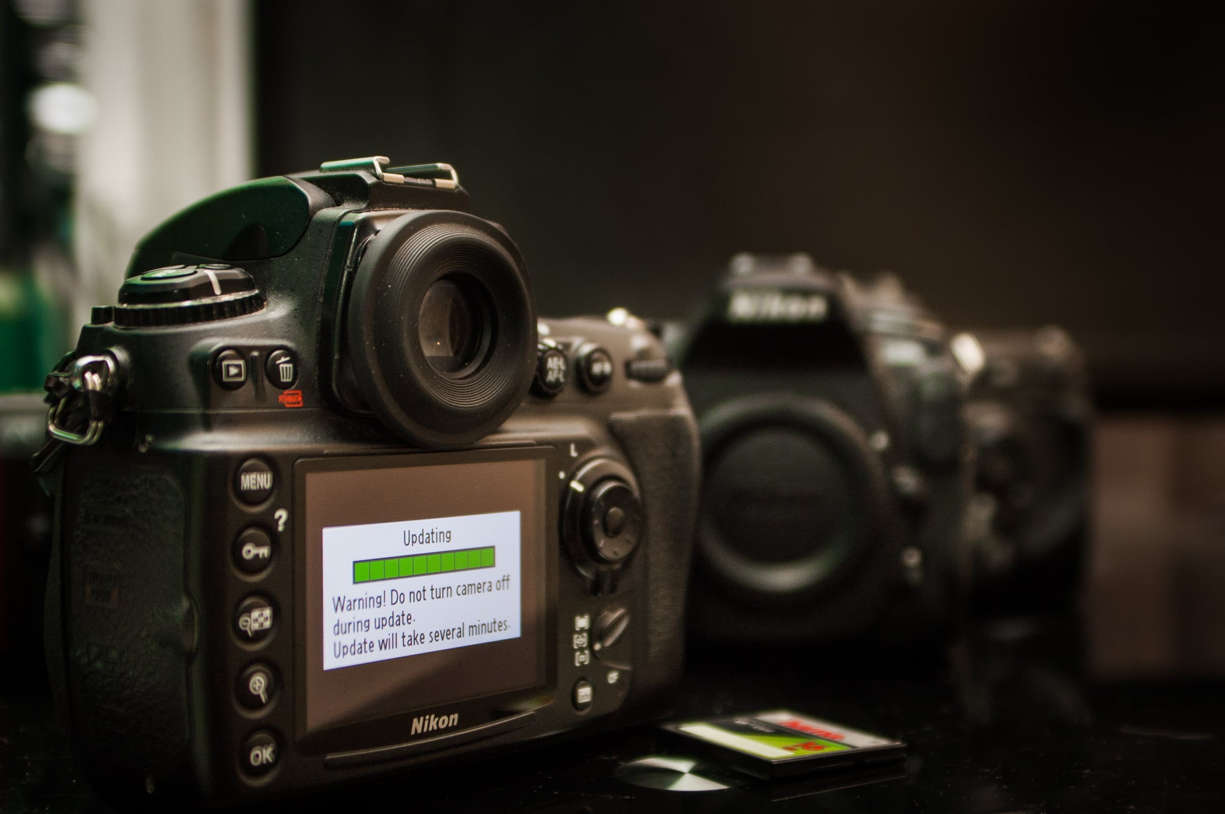 Updating the firmware on a Nikon D700, offset; D200 and D300s