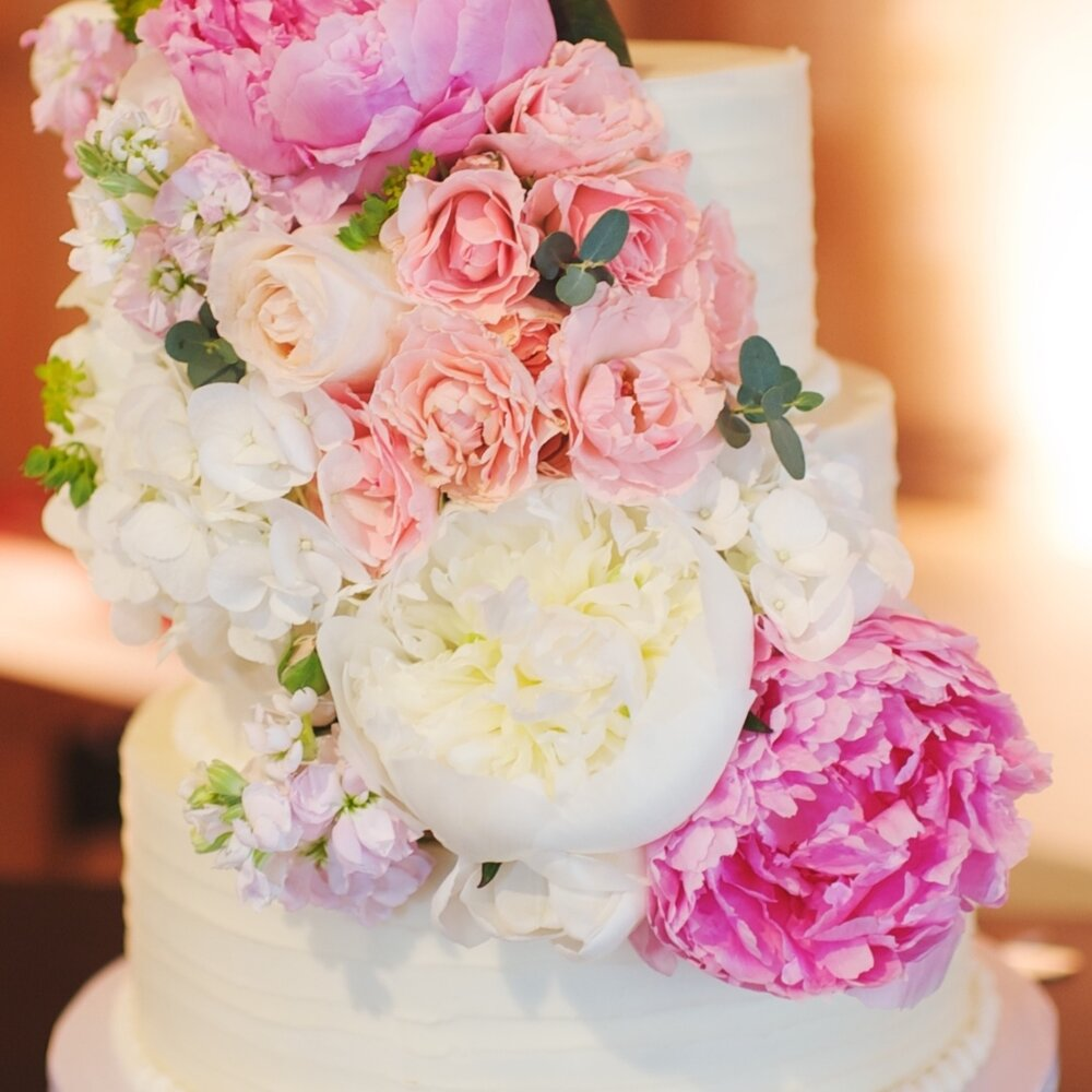 Homestyle buttercream with fresh flowers