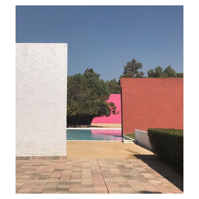 Luis Barragan, Cuadra San Cristobal, Mexico City #geometry #cqinspiration #summercolors #form #cleanlines #luisbarragan #cuadrasancrisobal #mexicocity #mexico #architecture #interactionofcolor #colorstory #mood