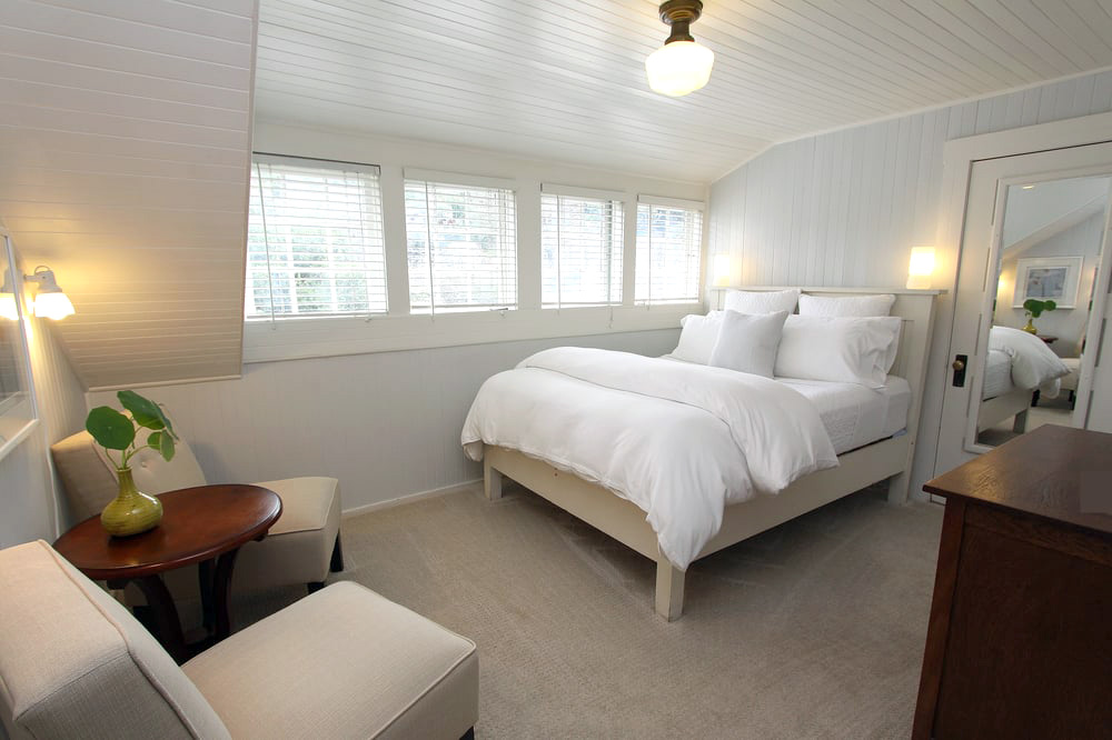 Inverness Ridge Room at Ten Inverness Way