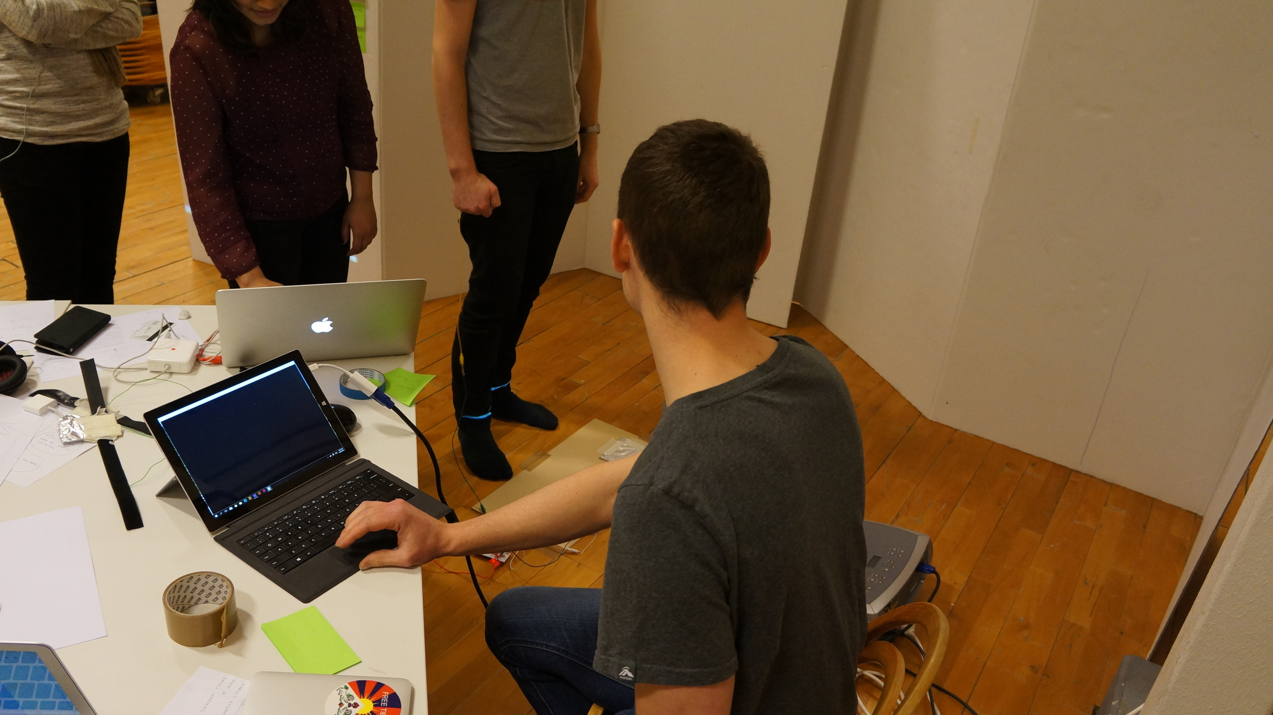 User testing with professional dancer  to see how they react to prototypes