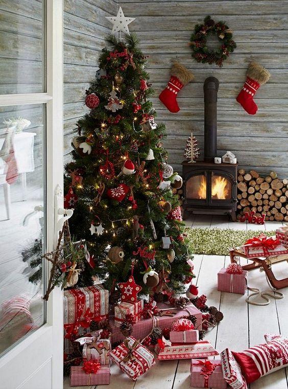 Cabin Christmas Tree.jpg