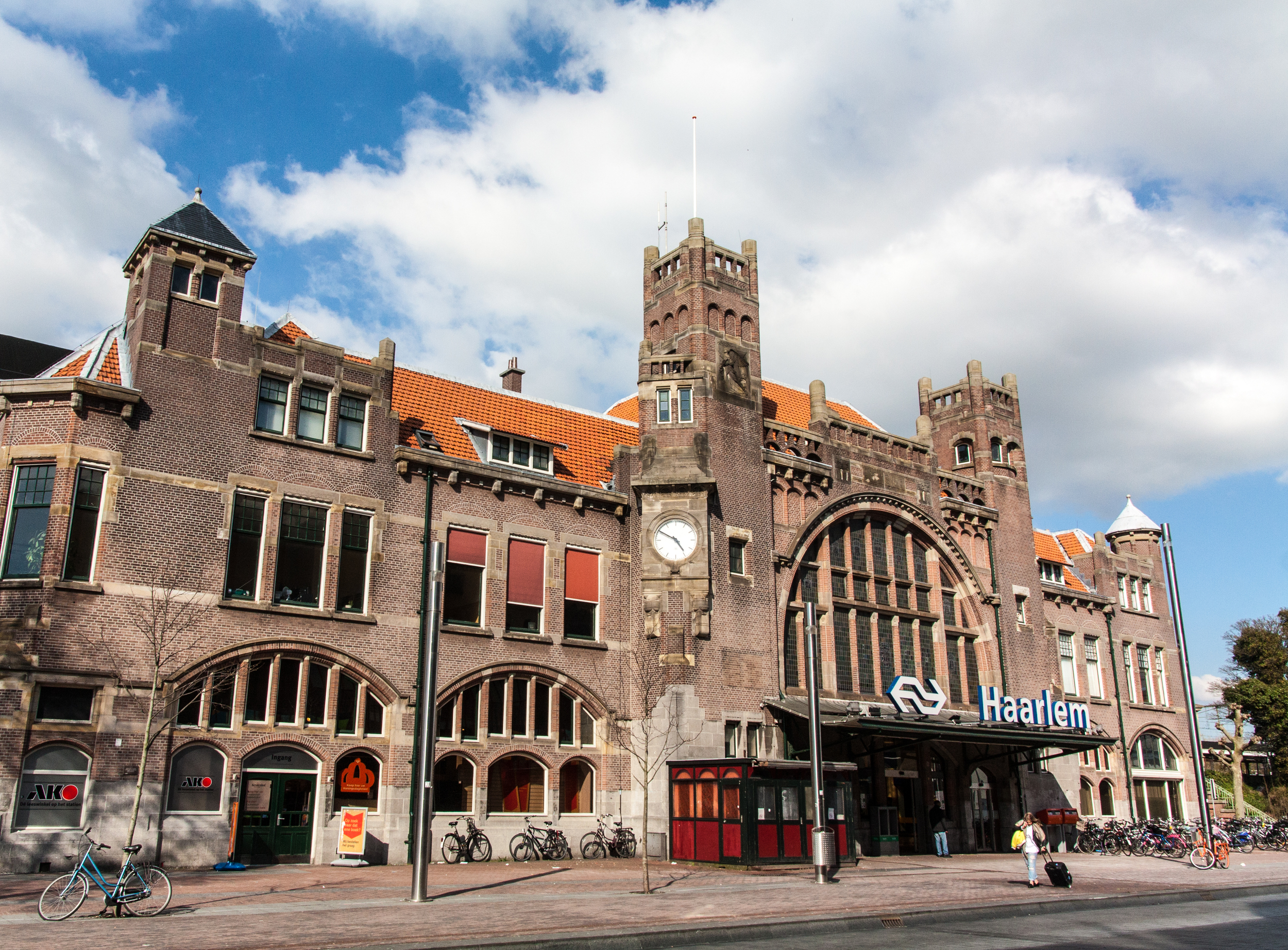 Haarlem's restored art deco train station is a beautiful and stress-freeplace to start any journey.