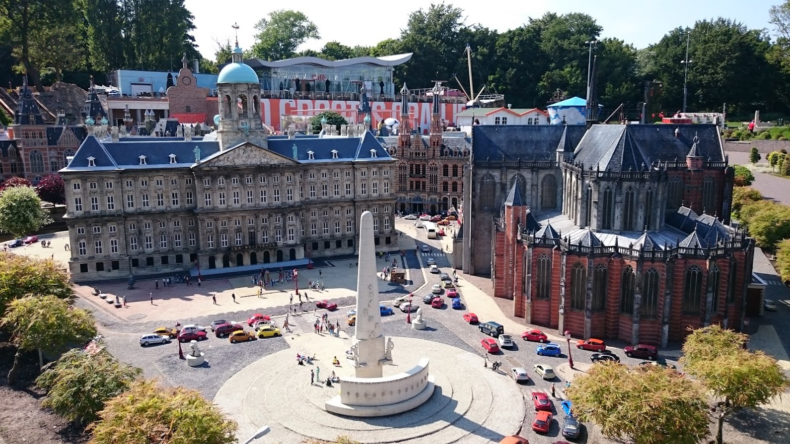 Amsterdam: DAM Square - National Monument, Royal Palace and the Nieuwe Kerk (New Church)