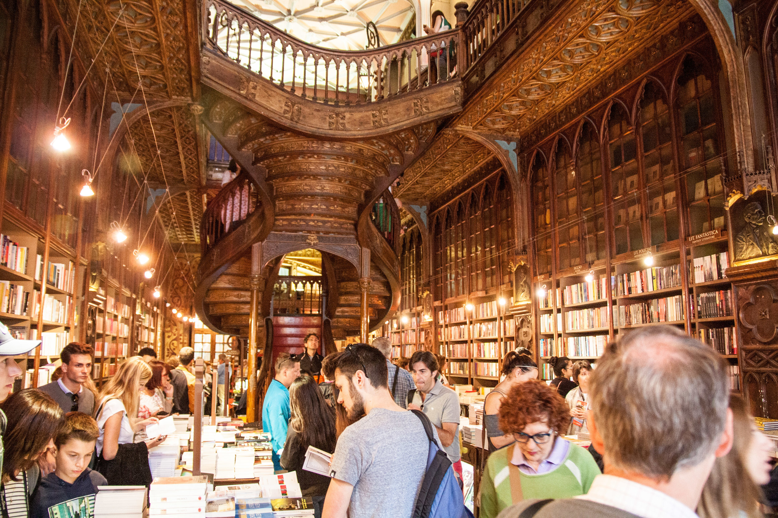 Lello Bookstore 10 minutes after opening