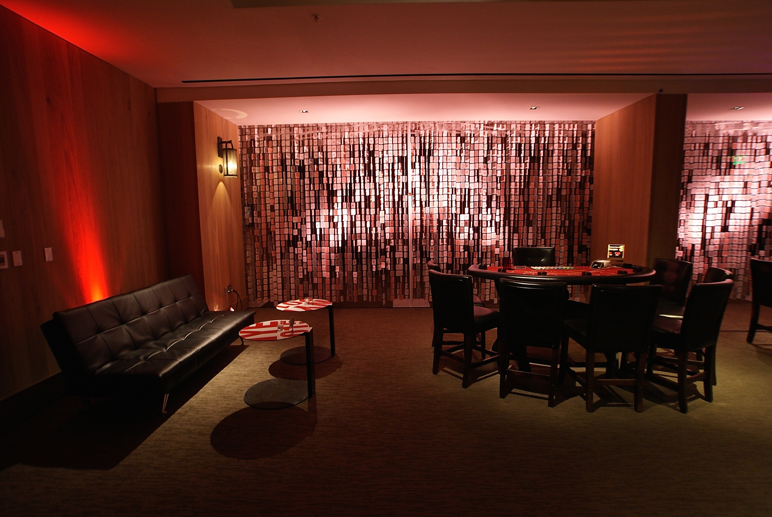 House-of-Cards-Lounge