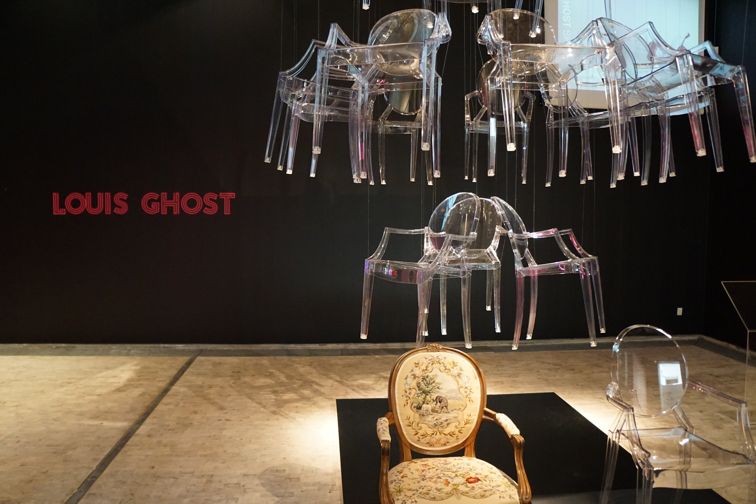 CURATE-Trapholt-Chandelier-Louis-Ghost-Chair.JPG