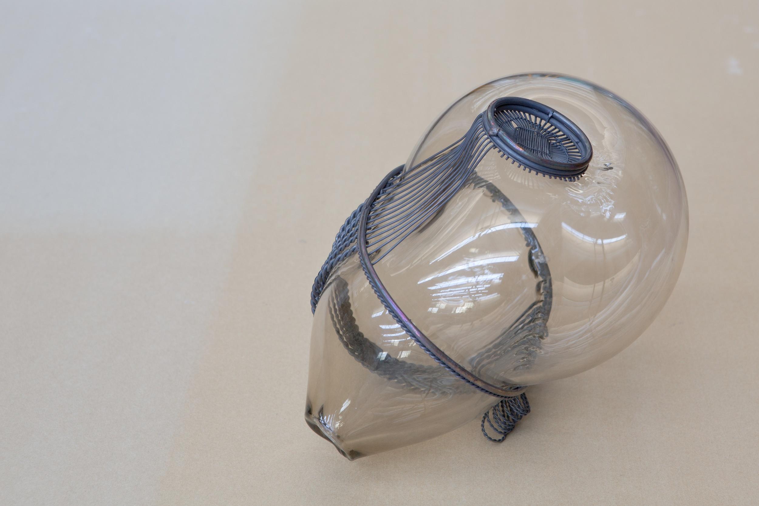 Soffio#24  2014 - Vetro soffiato e metallo - 20x25x12cm - Foto Laf