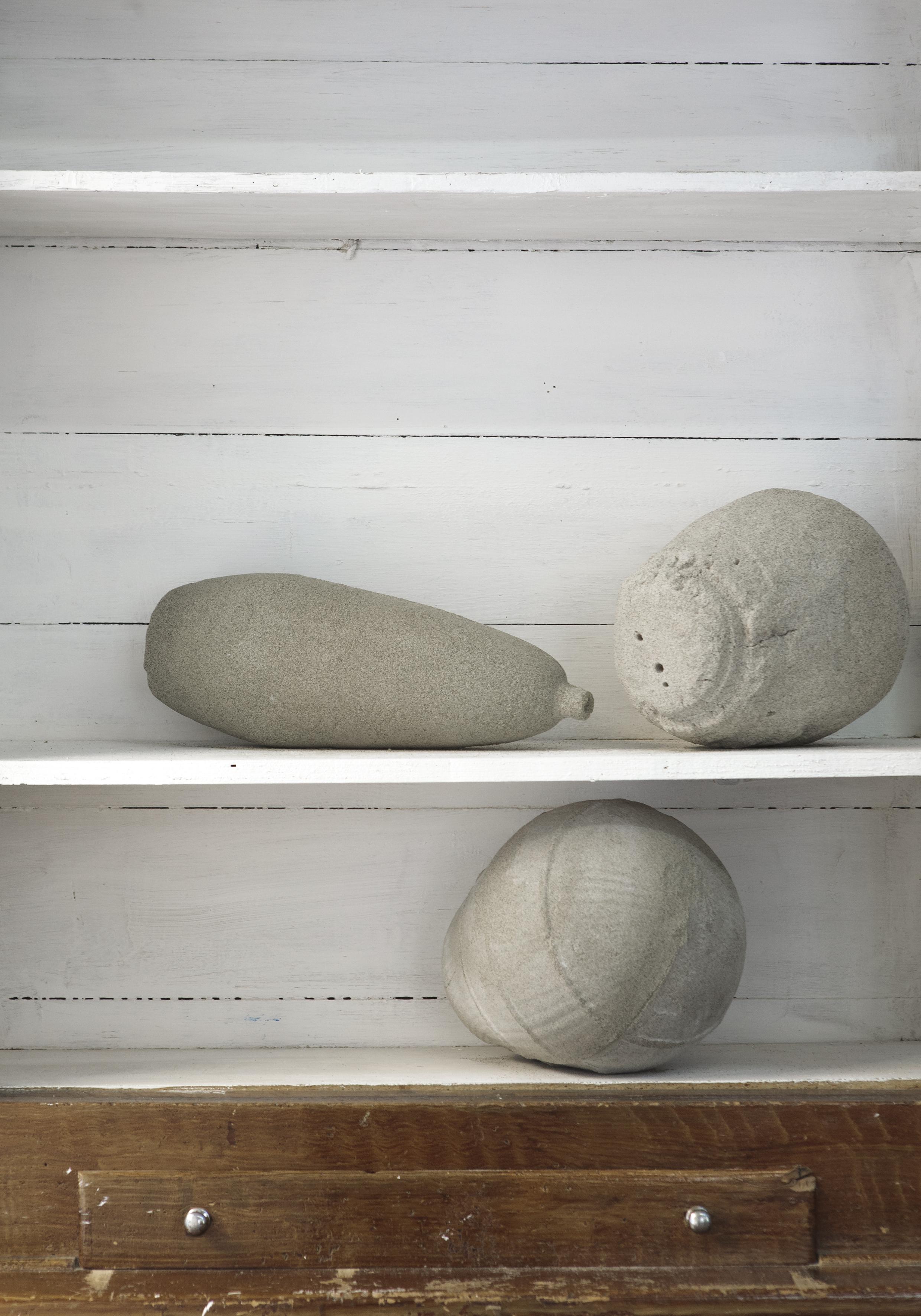 senza troppo rumore  2015 - sabbia compressa - dimensioni varie