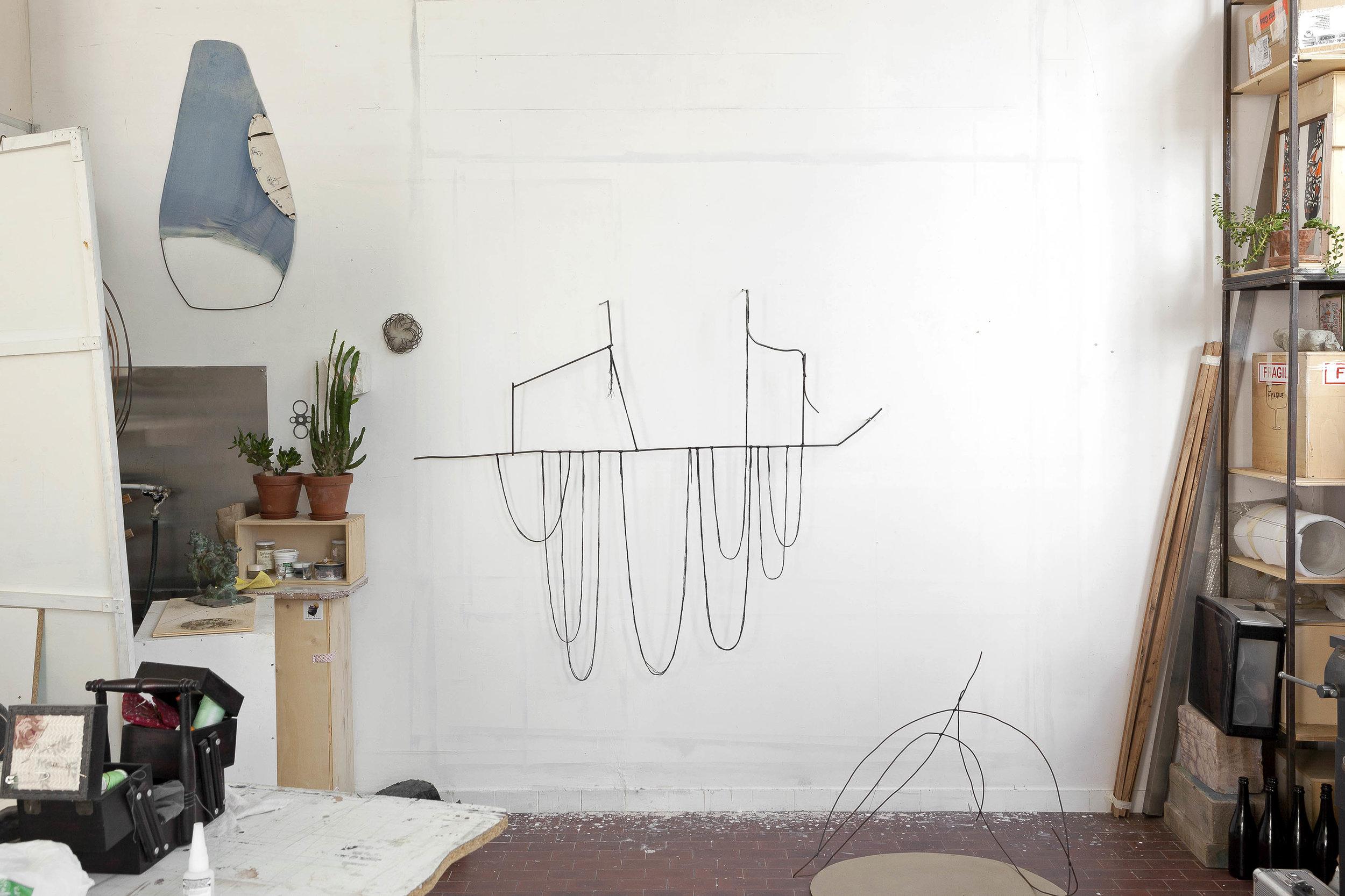 All'ancora di un corrimano  2016 - Tondino di ferro e fili di cotone - cm 173x130x16
