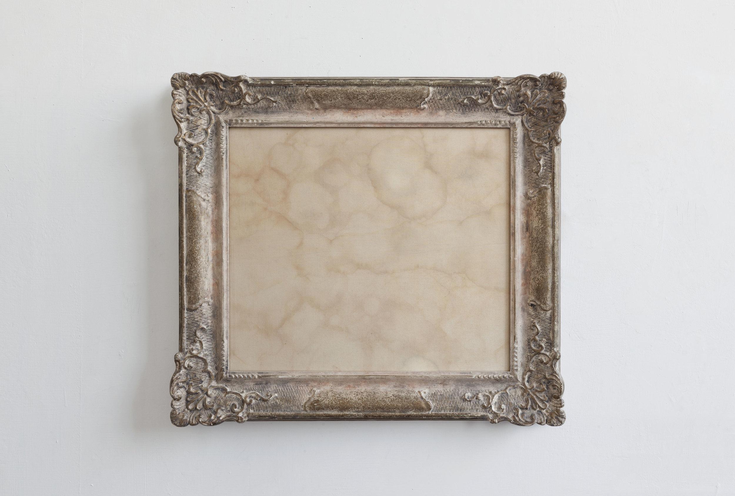 Autoritratto in forma di cielo  2012 - Umori del tempo, federa di cuscino, cornice - cm 48x54x7c