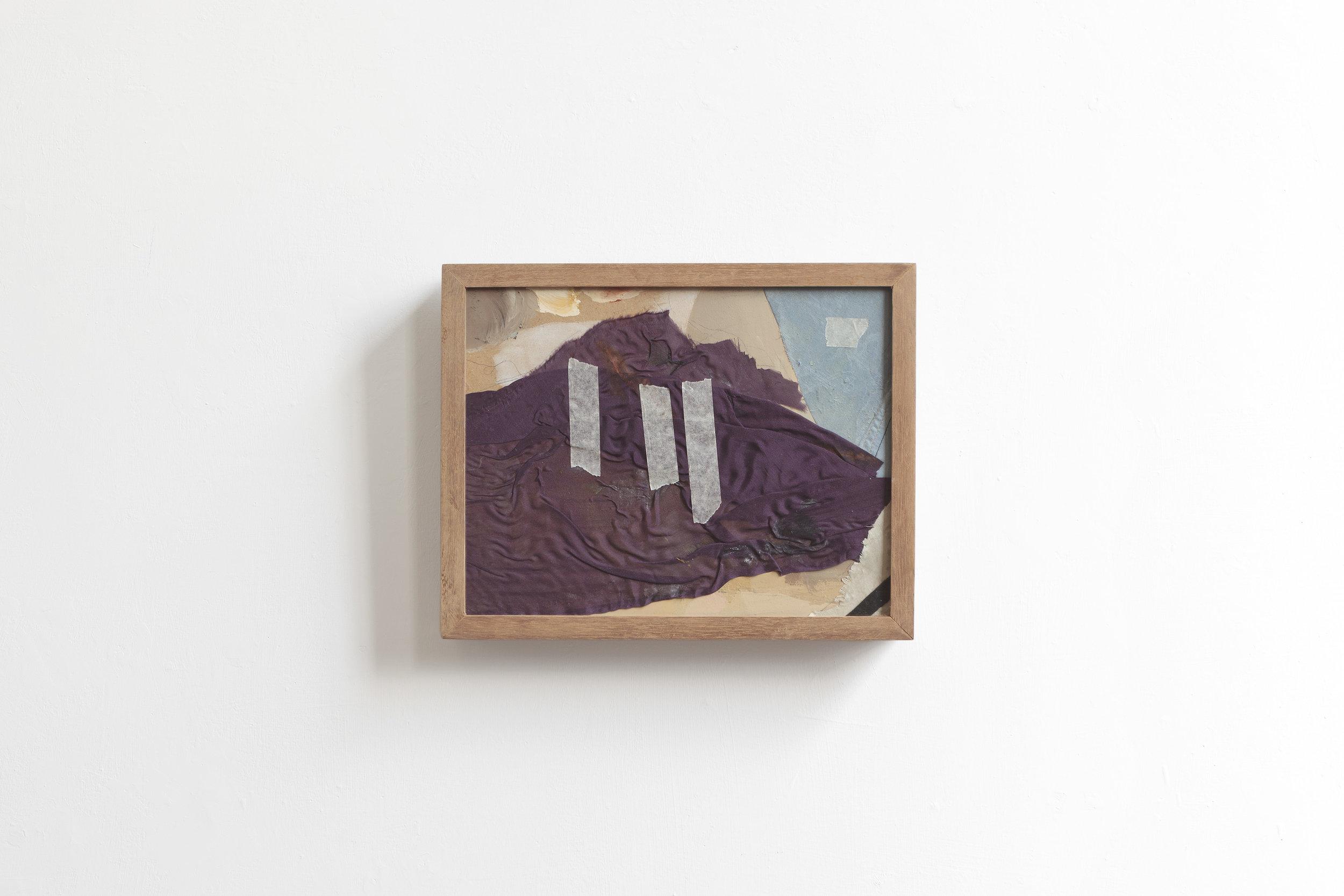 Deus  2017 - painting on wood, fabric and scotch - cm 24x30x5