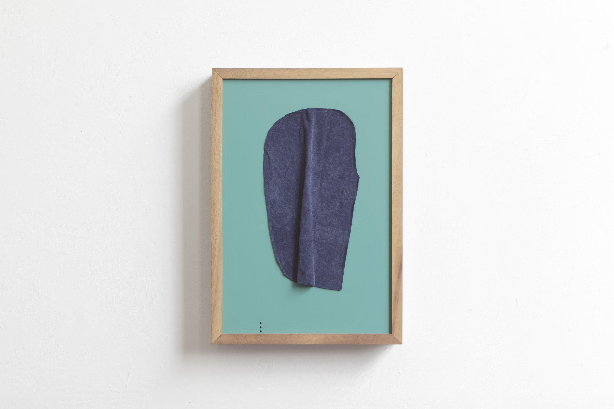 Head  2017 - fabric on back mirror - cm 30x24x5
