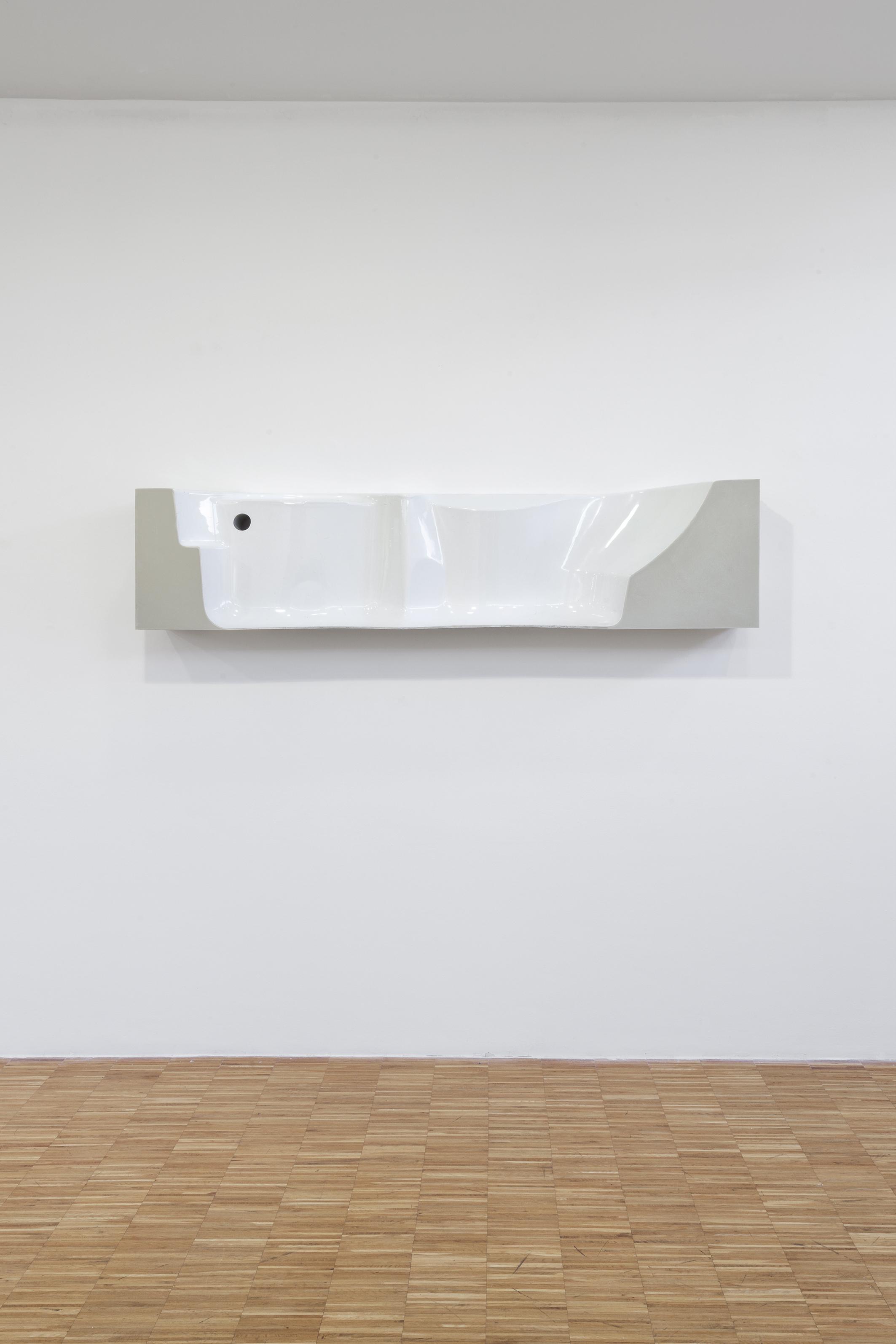 Big fragment (Bath)  2018 - resina e poliuretano espanso - cm 40x190x30