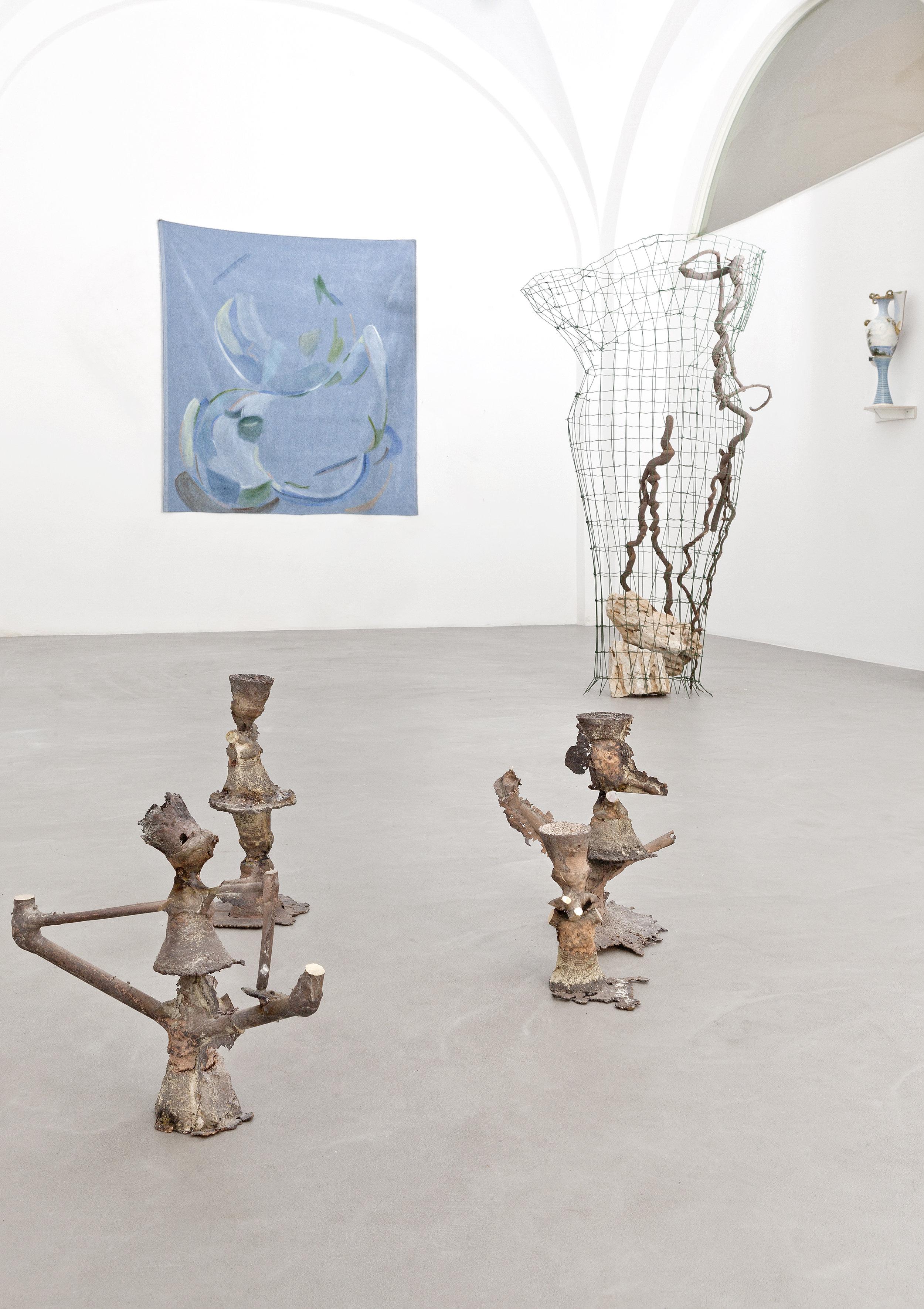 Vista della mostra  Slittamenti e margini , Galleria Passaggi Arte Contemporanea, Pisa, 2018