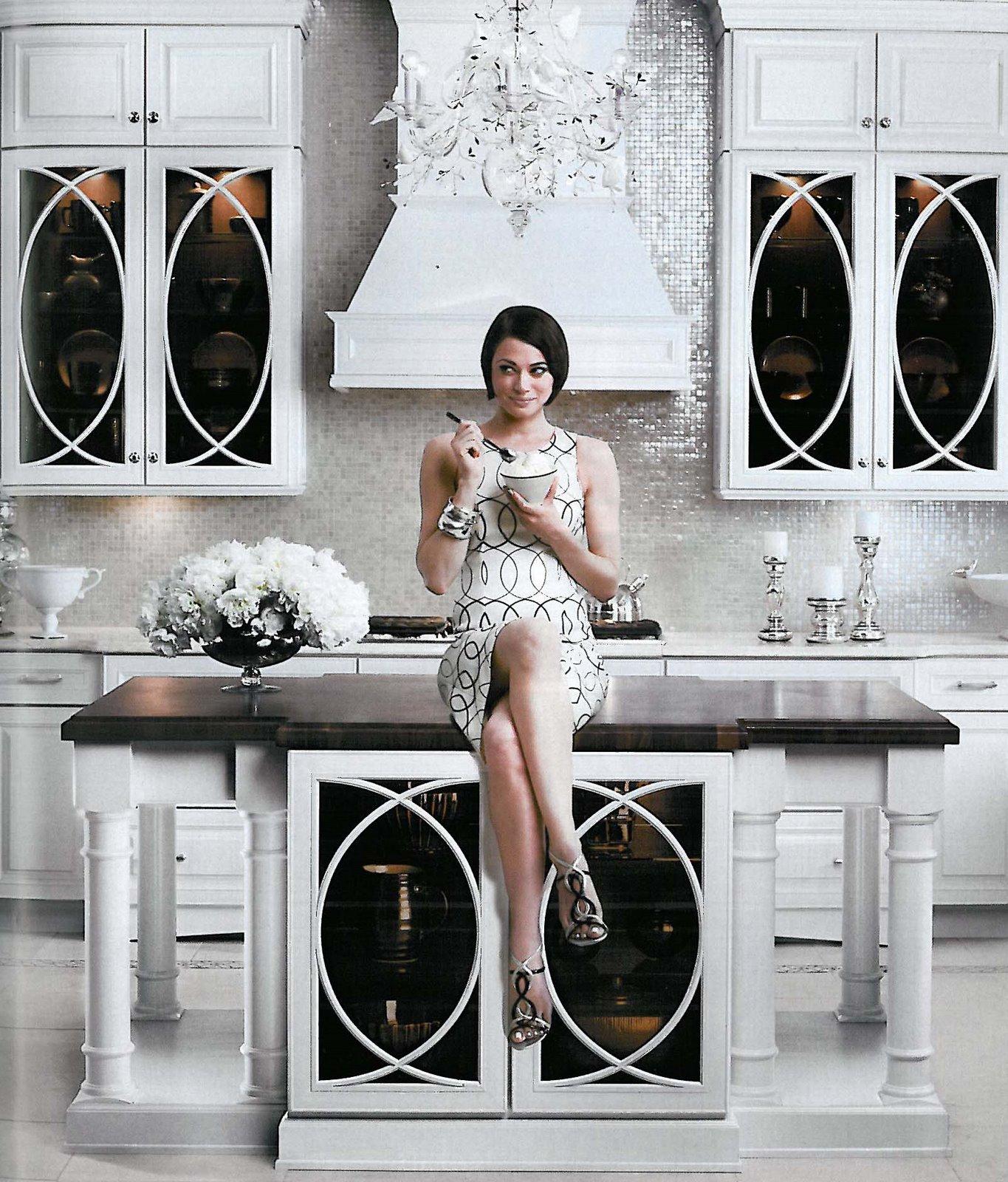 kraftmaid-vetro-neutra-bianco-lux-glass-tile.jpg