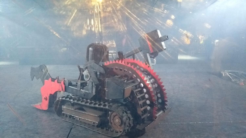 Major Damage house robot