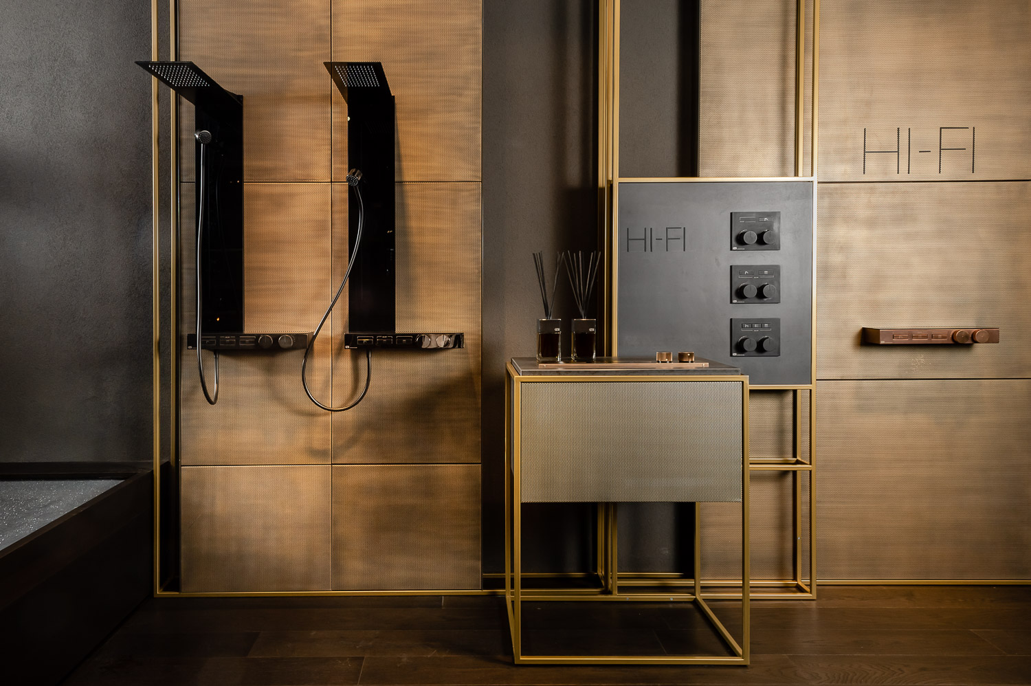 Hi-Fi  by Gessi unites design and technology in a contemporary and original collection, perfect for furnishing the bathroom as a room of wellness, beauty and living well.