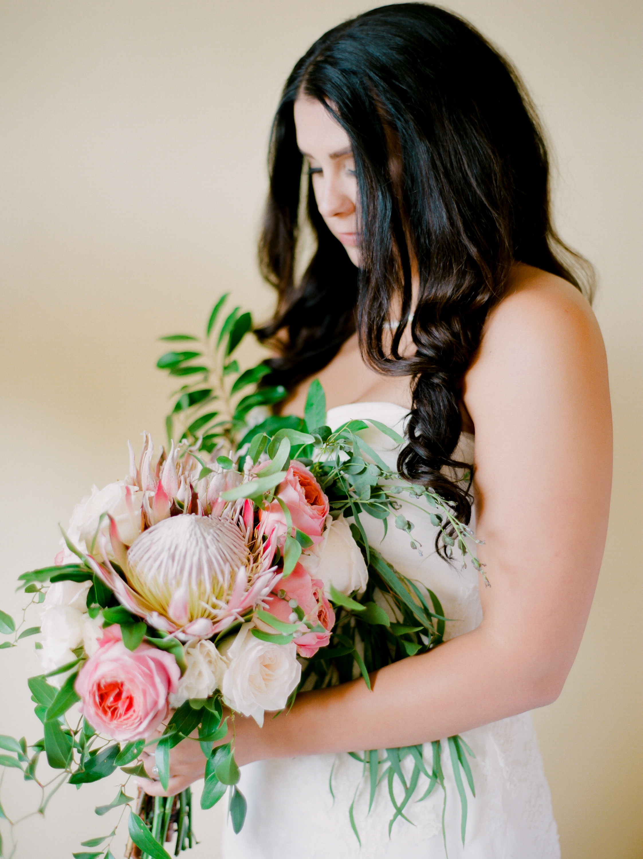 Favorite 2016 wedding bouquet trends | Kaylie B. Poplin Photography | 30a fine art wedding photographer