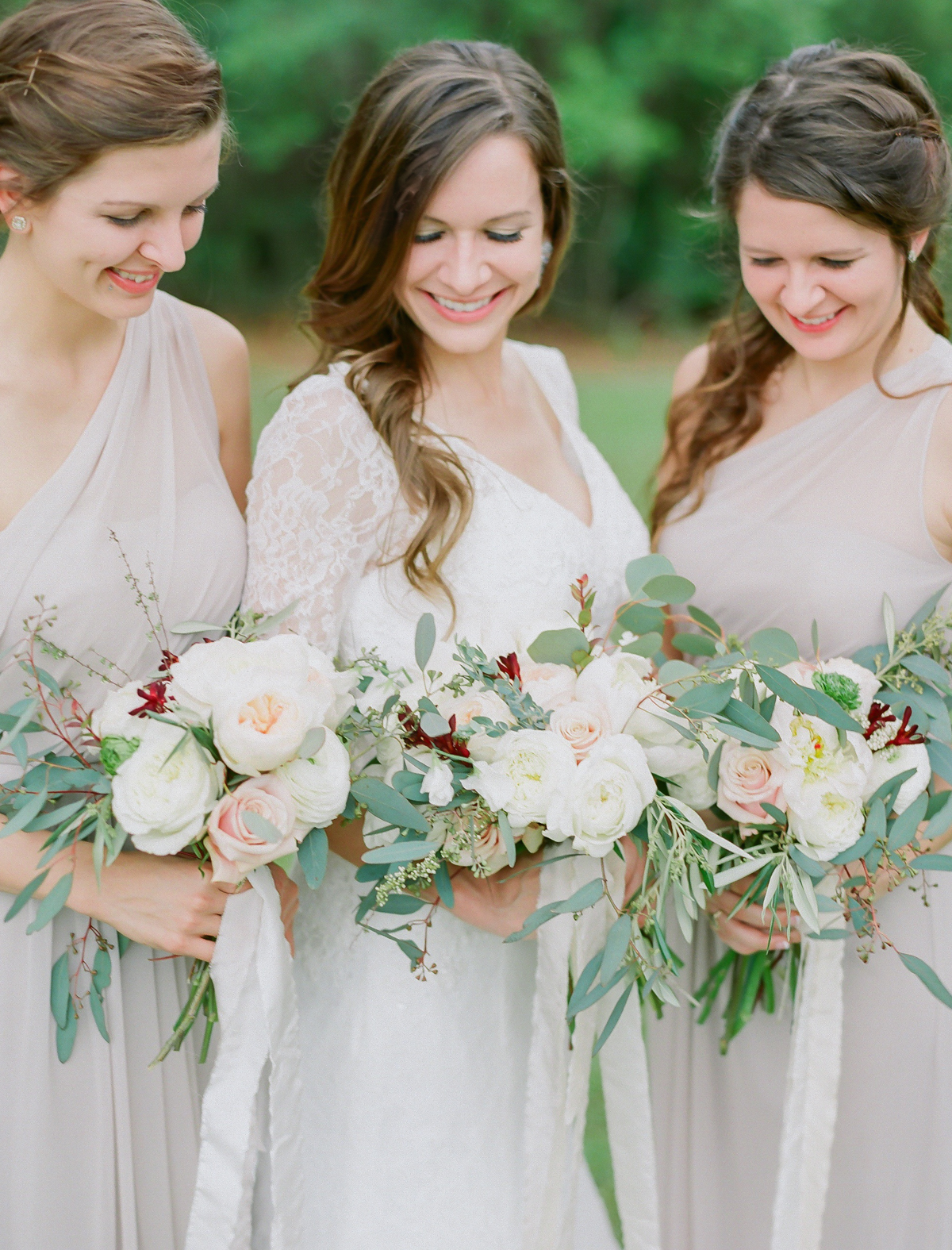 Neutral Romantic Wedding Bouquet | Fine Art Crestview Florida Wedding | Jennifer Blair Photography
