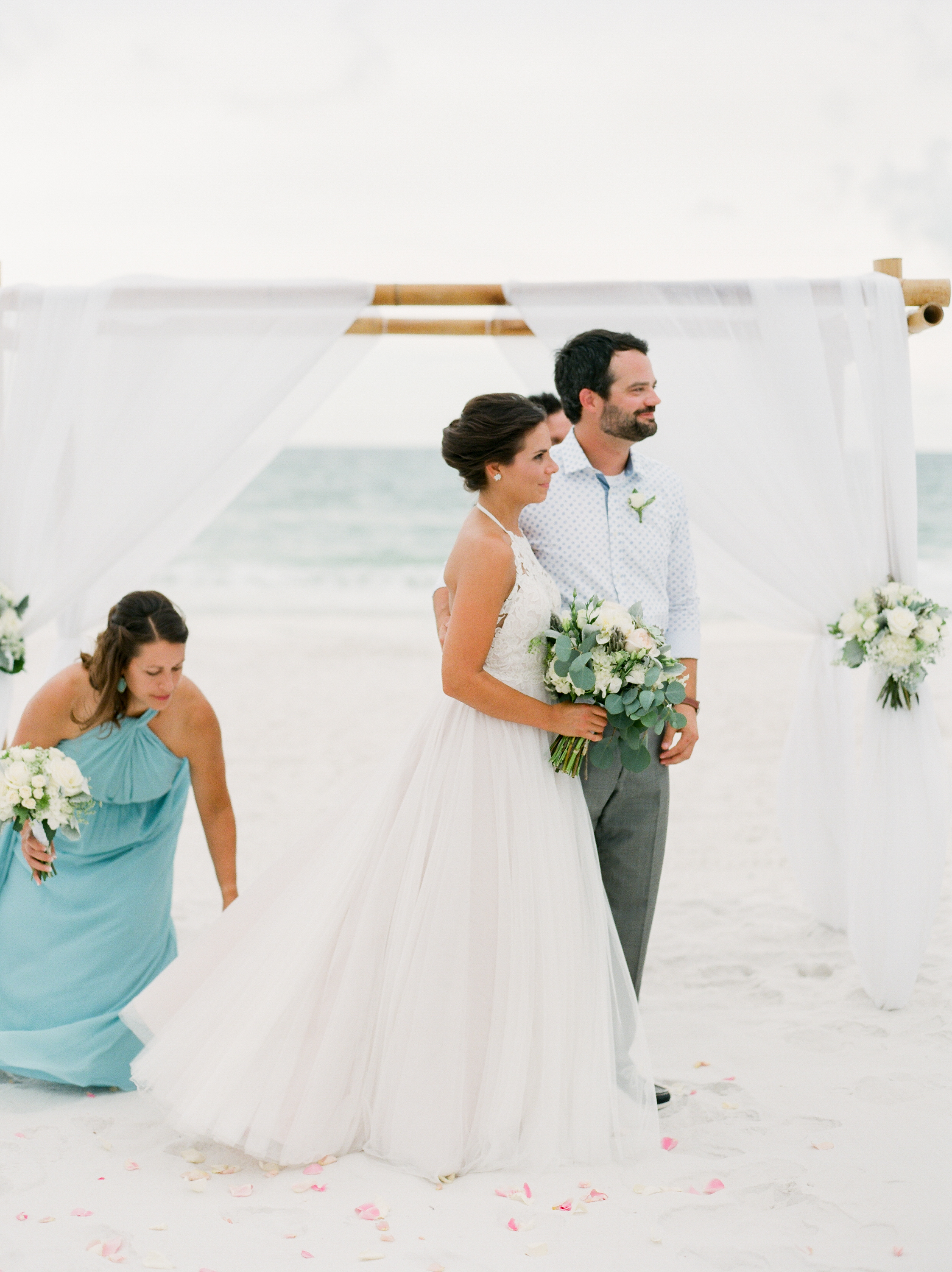 seaside-fl-neutral-beach-wedding-kayliebpoplinphotography