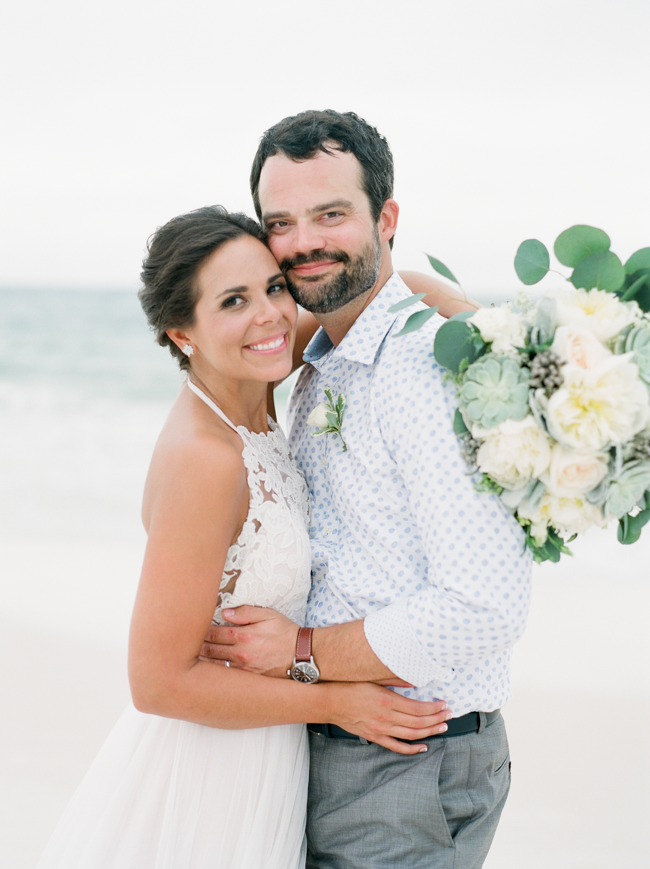 seaside-fl-neutral-wedding-kayliebpoplinphotography